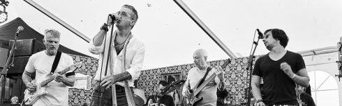 Aliensdontringdoorbells live at Gateways Festival